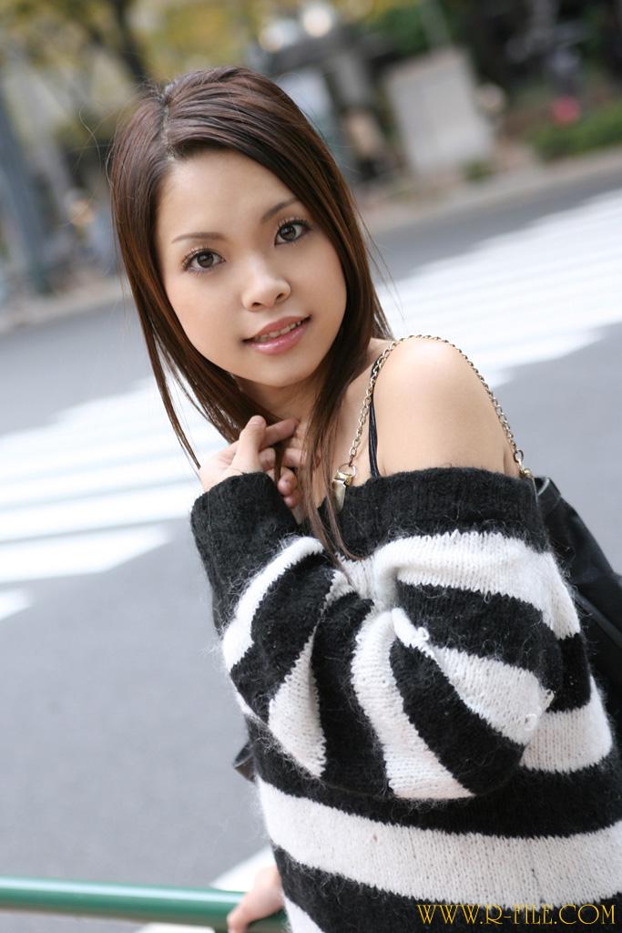 44956105 sweater rina mizusawa 3