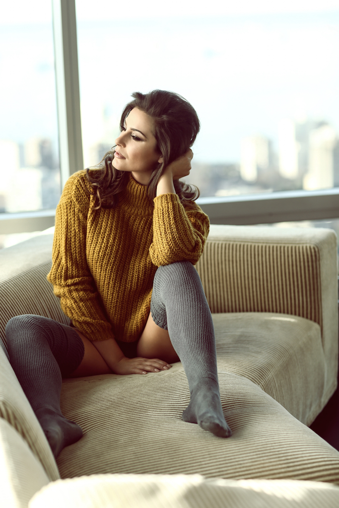Elysia Rotaru 01