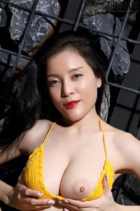 Asian-Beauties-YOGURT-Yellow-Bikini-l6wvh6jm2n.jpg