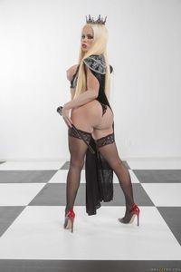 Nikki-Delano-Capture-The-Queen-%5Bx272%5D-t6wviqpl6z.jpg