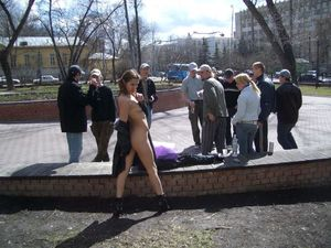 Nude-in-Public-Crowd-Pleaser%21-m6xg693swg.jpg