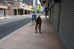 Cyan-Nude-in-Public-h6x0gv1pou.jpg