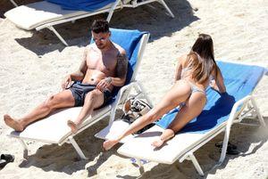 Chloe-Goodman-%E2%80%93-Sexy-Bikini-Candids-in-Mykonos-47agxpl15h.jpg