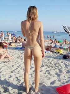 Beach-Voyeur-Sexy-Girls-Bikini-%2864-Pics%29-07aixkhbmv.jpg