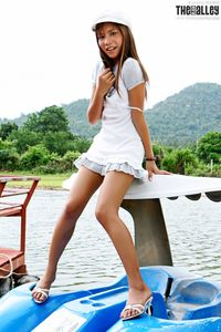 Asian-Beauties-Elyssa-S-Ship-Ahoi-%28x122%29-z7bjubif12.jpg